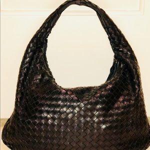Medium Venetia Bag